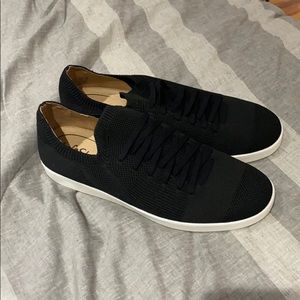 Lifestride women's black slip ons